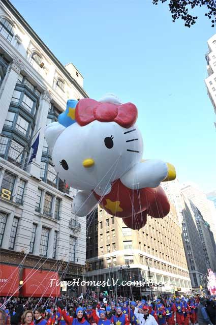 Macy's Thanksigiving Day Parade Hello Kitty