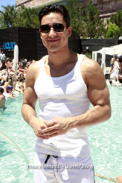 Mario Lopez at LIQUID Pool