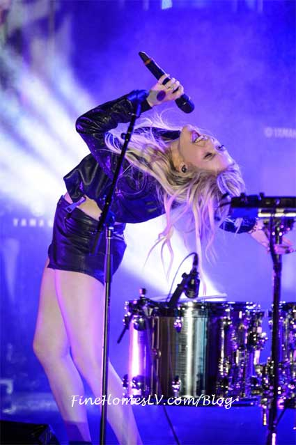 Ellie Goulding At The Boulevard Pool At The Cosmopolitan