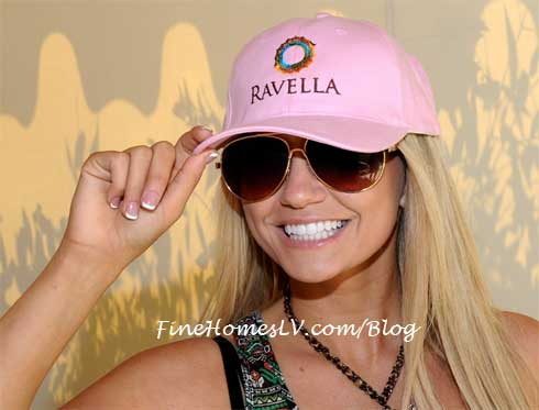 Angel Porrino at Ravella