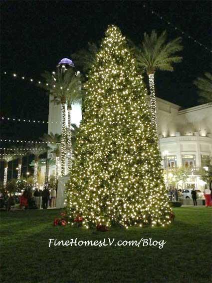 Christmas Tree at Symphony Park
