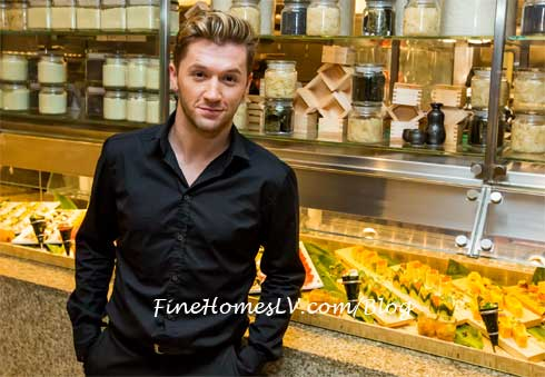 Travis Wall at Bacchanal Buffet