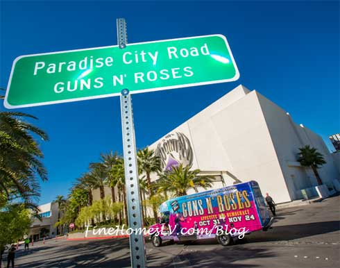 Guns N Roses With Paradise City Road Signs