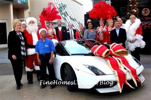 Great Santa Run Team and Lamborghini