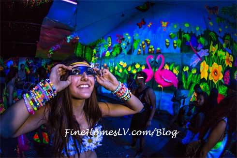 Electric Daisy Carnival Las Vegas Glow Dark
