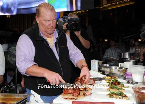 Mario Batali Cooking at Chase Sapphire Preferred Grill Challenge