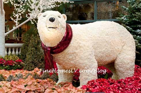 Bellagio Floral Polar Bear