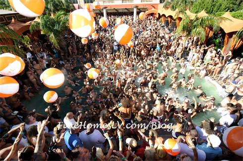 Tao Beach Pool Party
