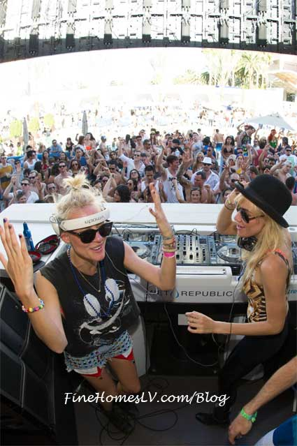 NERVO at WET Republic