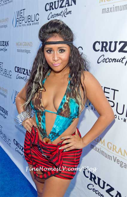 Snooki at WET Republic