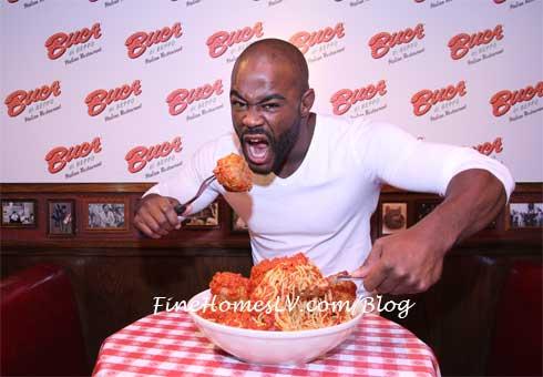 Rashad Evans eats Meatballs at Buca di Beppo