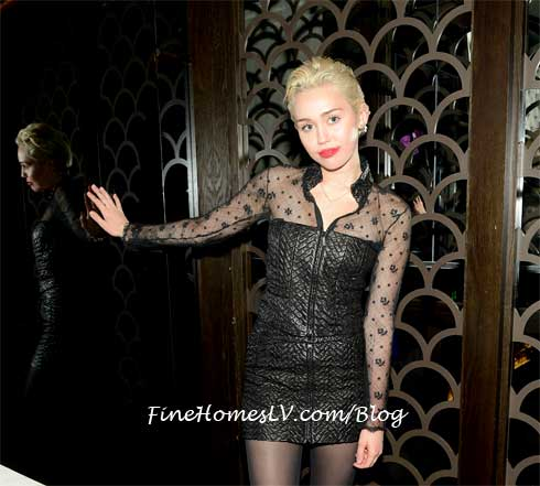 Miley Cyrus at Hakkasan Restaurant