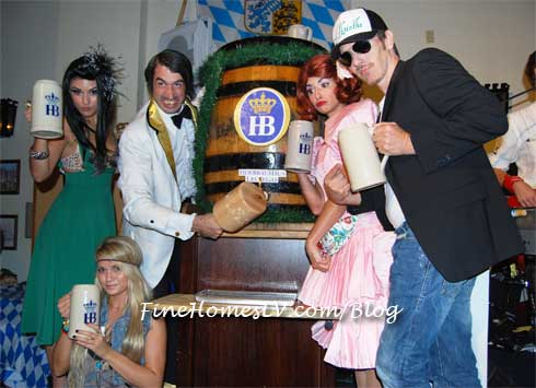ABSINTHE Cast at Hofbrauhaus