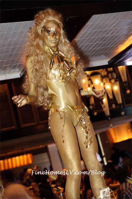 LAVO Brunch Gold Girl