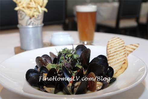 Mussels, Frites and Beer at Morels Steakhouse