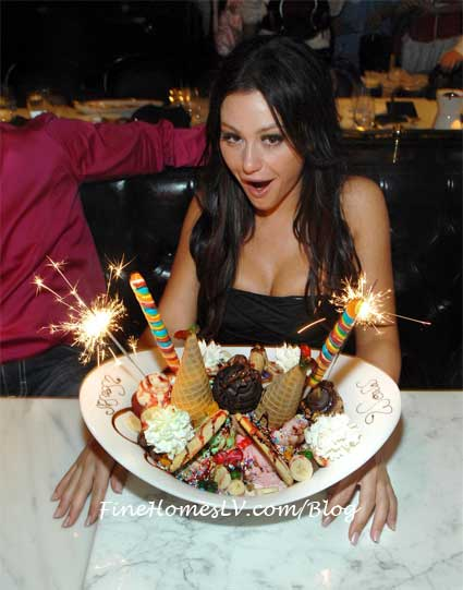JWOWW and King Kong ice Cream Sundae