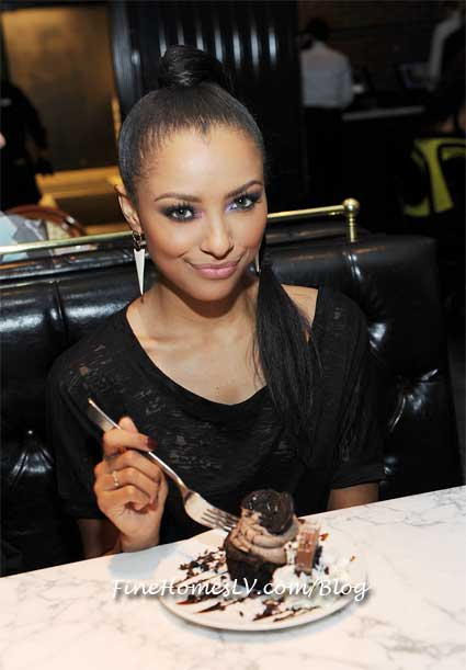 Kat Graham and Chocolate OREO Cupcake