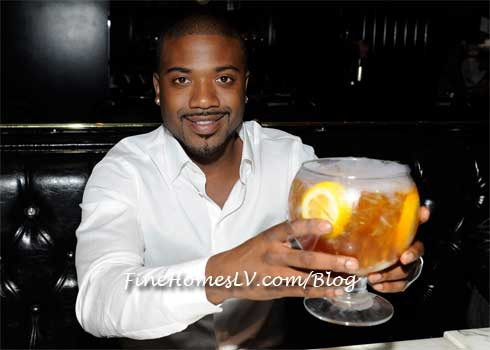 Ray J With Sunshine Tea at Sugar Factory