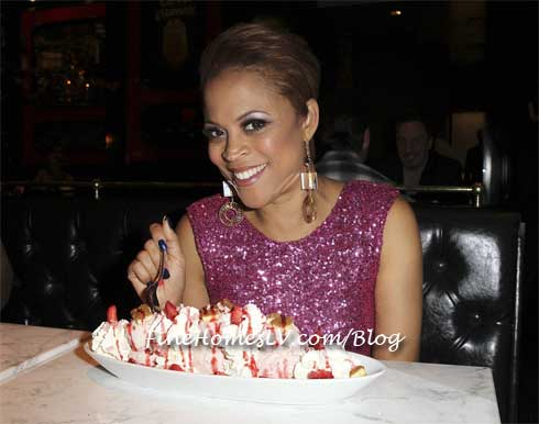 Shaunie O Neal with Cheesecake
