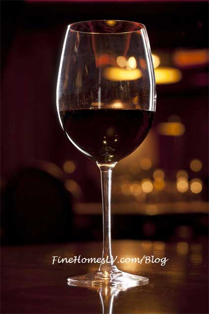 Tender Steak and Seafood Red Wine
