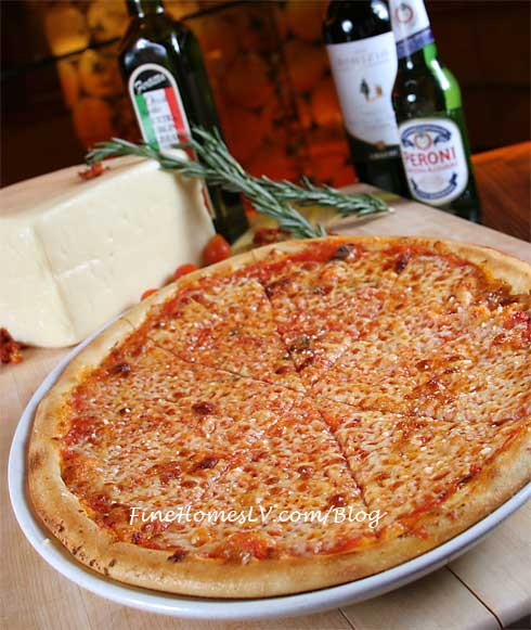 TREVI Cheese Pizza