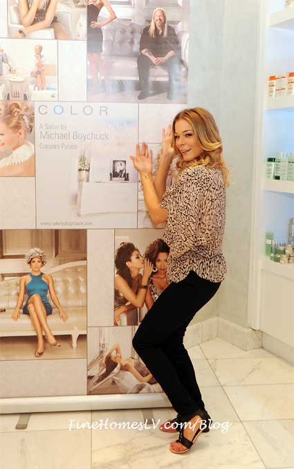 LeAnn rimes at Color Salon