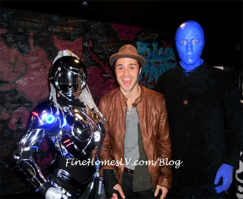 Kris Allen, Showbot and Blue Man
