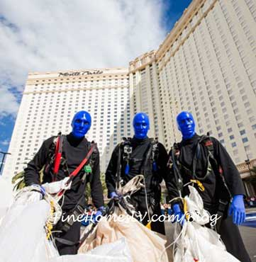 Blue Man Group Parachute