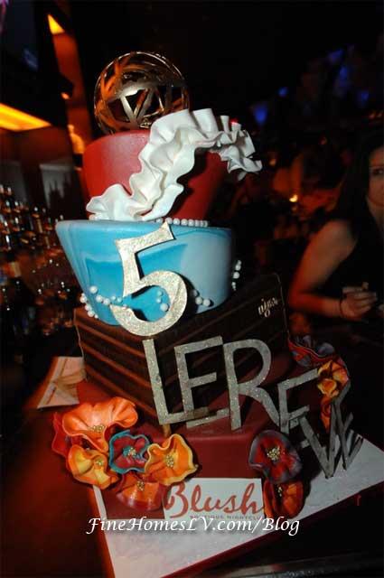 Le Reve 5 Year Cake