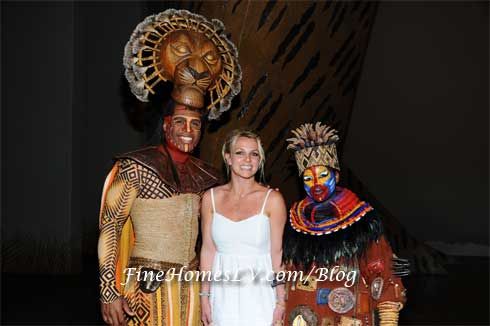 Derrick Williams, Britney spears and Ntsepa Pitjeng