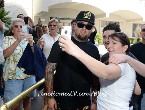 Chumlee and Fans