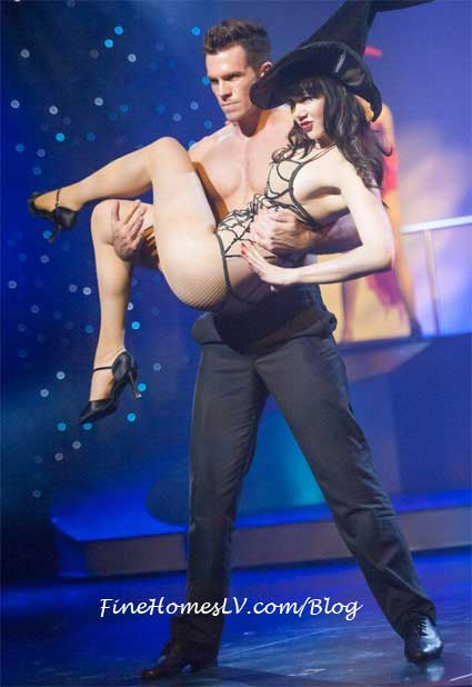 Claire Sinclair and PIN UP Dancer