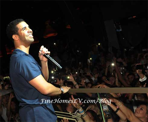 Drake Performs at Chateau Nightclub Las Vegas