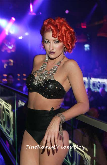 Neon Hitch at Chateau Nightclub