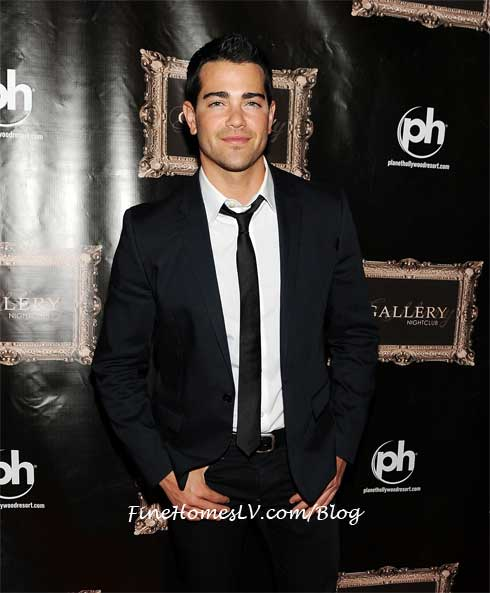 Jesse Metcalfe at Gallery Nightclub
