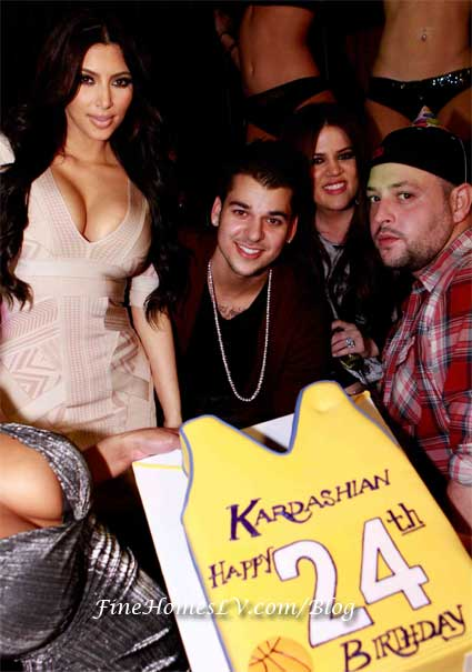 Kim, Rob and Khloe Kardashian at JET
