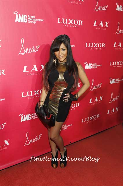Snooki On The Red Carpet At LAX