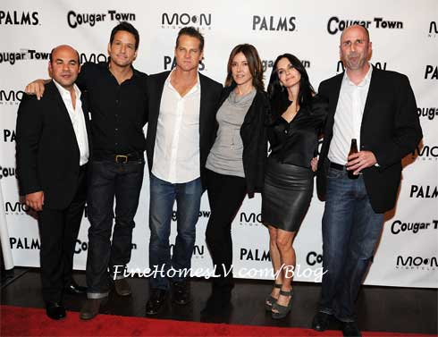 Cougar Town at Moon Nightclub