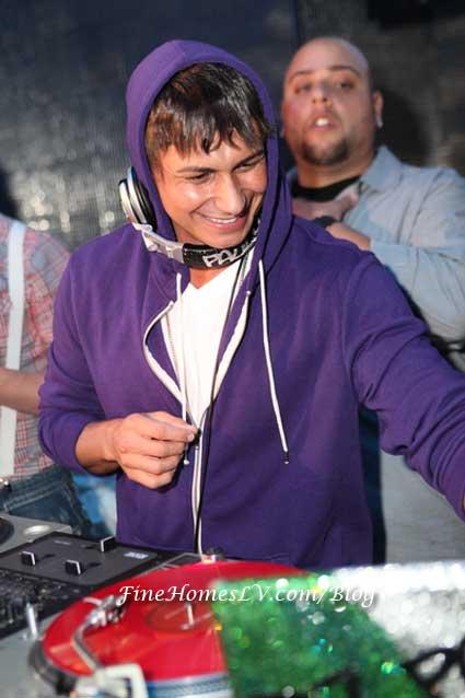 DJ Pauly D Spinning at Moon Nightclub