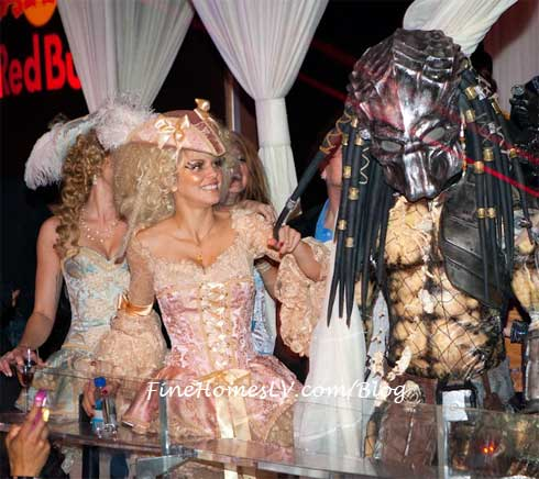 AnnaLynne McCord and Predator