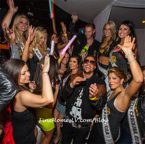 Sky Blu and Miss USA Contestants at PURE