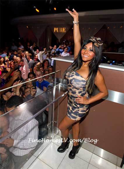 Snooki at PURE Nightclub