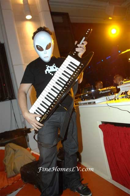DJ Joachim Garraud in Alien Costume