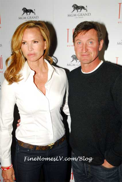 Wayne Gretzky and Janet Jones