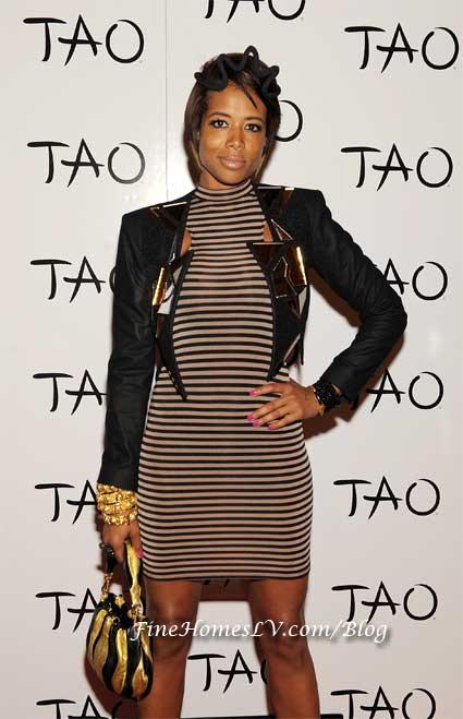 Kelis at TAO Nightclub