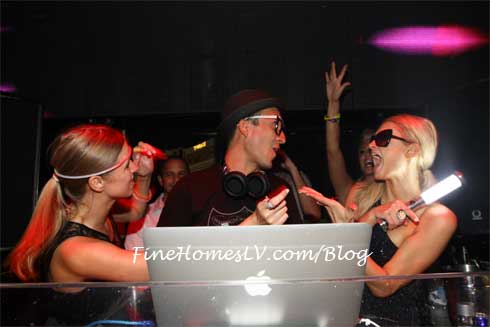 Nicky Hilton, DJ Vice and Paris Hilton