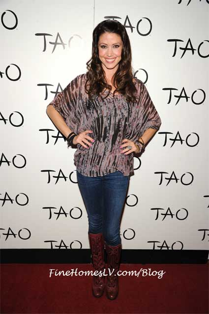 Shannon Elizabeth on the red carpet at TAO