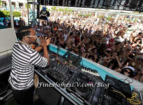 will.i.am DJ Booth