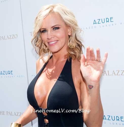 Jenny McCarthy at Azure Las Vegas Pool