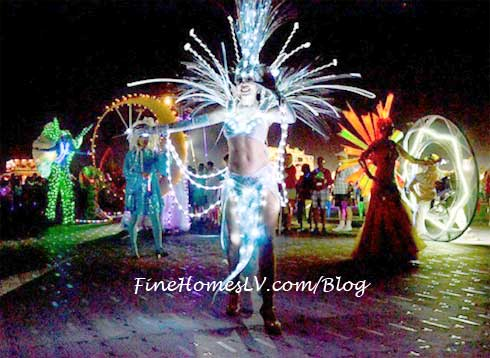 Carnevale Lighted Performers